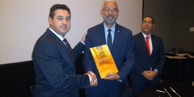 Aprosoja Brasil assina acordo para viabilizar utilização do Canal do Panamá